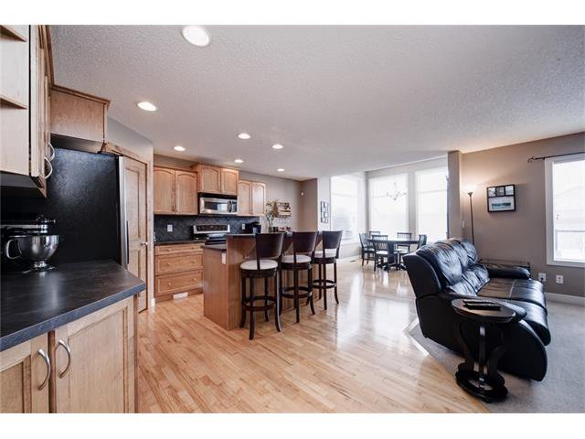 Photo 9: Photos: 72 CRANFIELD Gardens SE in Calgary: Cranston House for sale : MLS®# C4064858