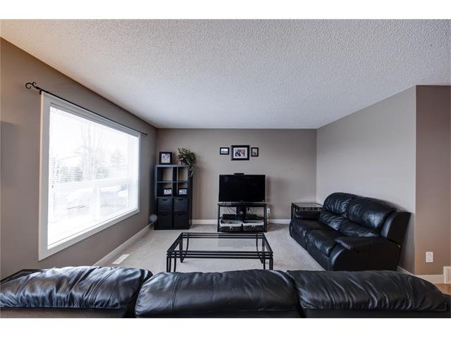 Photo 5: Photos: 72 CRANFIELD Gardens SE in Calgary: Cranston House for sale : MLS®# C4064858