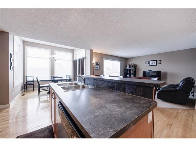 Photo 15: Photos: 72 CRANFIELD Gardens SE in Calgary: Cranston House for sale : MLS®# C4064858