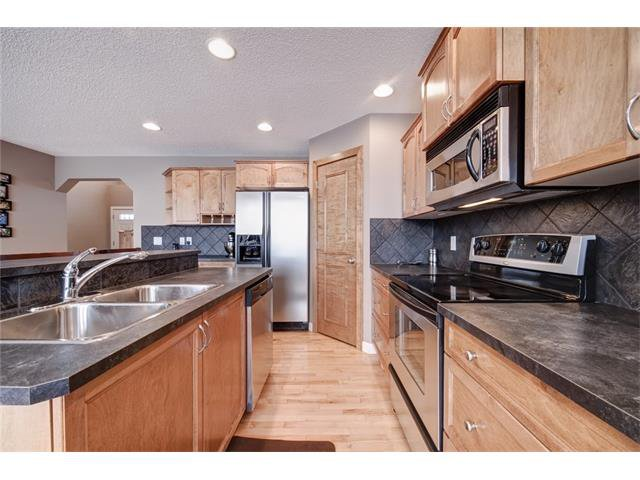 Photo 13: Photos: 72 CRANFIELD Gardens SE in Calgary: Cranston House for sale : MLS®# C4064858