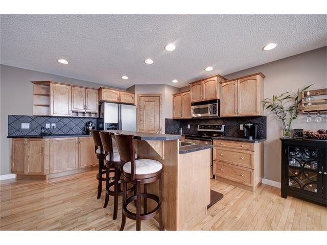 Photo 12: Photos: 72 CRANFIELD Gardens SE in Calgary: Cranston House for sale : MLS®# C4064858