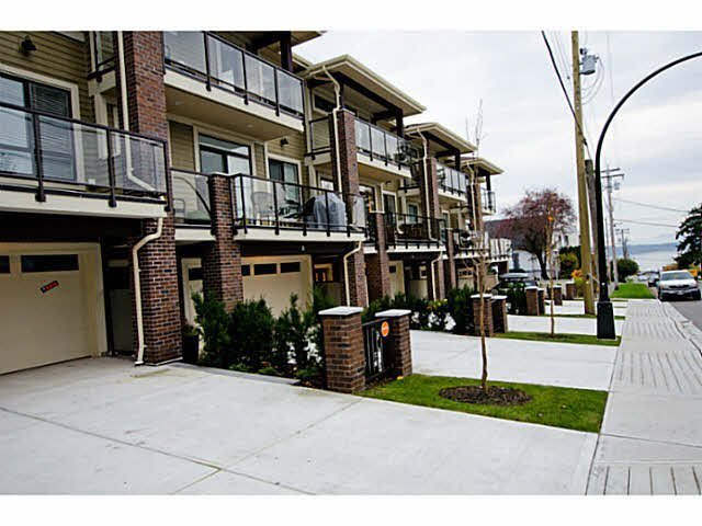 Main Photo: 8 1338 FOSTER STREET in : White Rock Townhouse for sale : MLS®# F1437245
