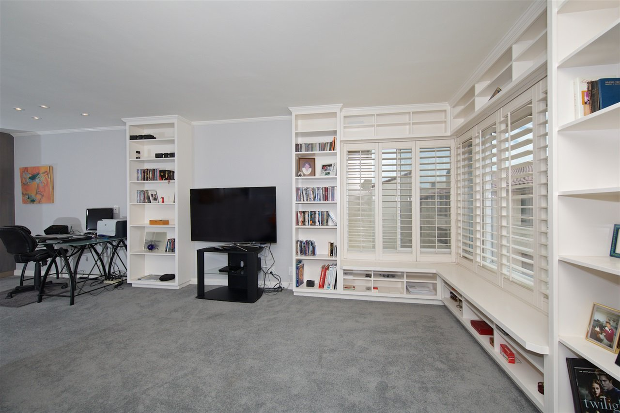 Photo 9: Photos: SAN DIEGO Condo for sale : 1 bedrooms : 6717 Friars Road #92