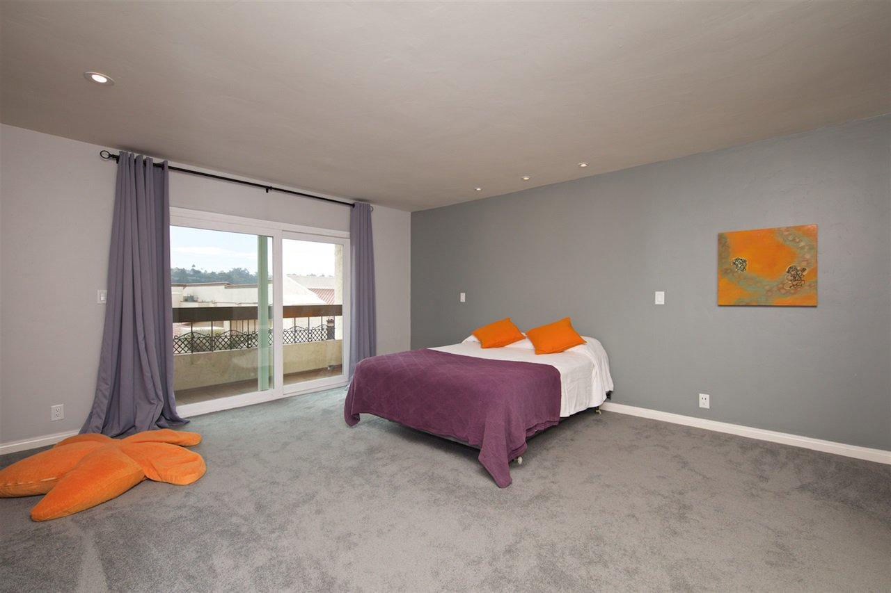 Photo 14: Photos: SAN DIEGO Condo for sale : 1 bedrooms : 6717 Friars Road #92