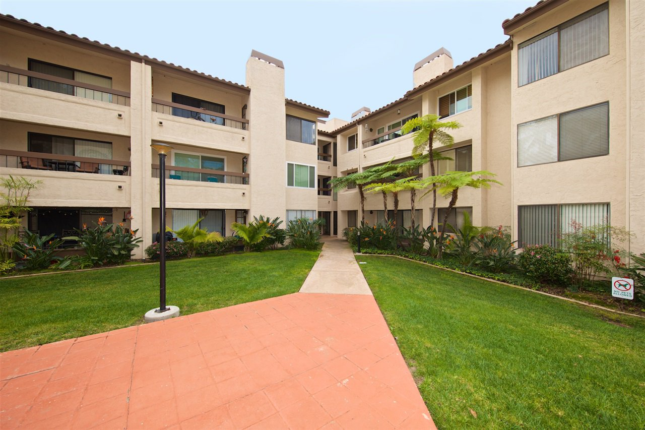 Photo 21: Photos: SAN DIEGO Condo for sale : 1 bedrooms : 6717 Friars Road #92