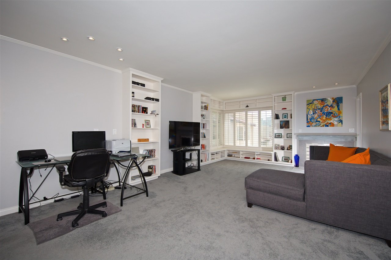 Photo 3: Photos: SAN DIEGO Condo for sale : 1 bedrooms : 6717 Friars Road #92
