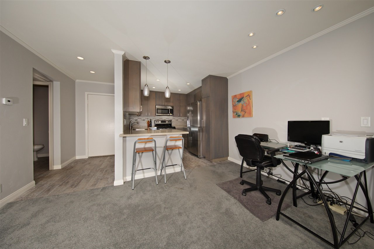 Photo 10: Photos: SAN DIEGO Condo for sale : 1 bedrooms : 6717 Friars Road #92
