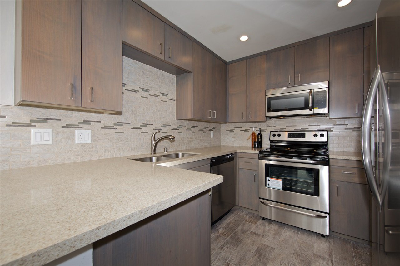 Photo 12: Photos: SAN DIEGO Condo for sale : 1 bedrooms : 6717 Friars Road #92
