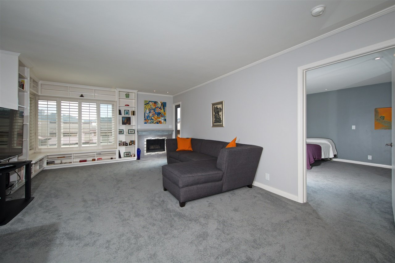 Photo 6: Photos: SAN DIEGO Condo for sale : 1 bedrooms : 6717 Friars Road #92