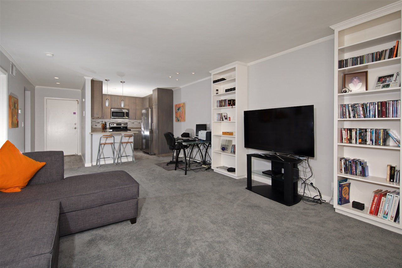 Photo 8: Photos: SAN DIEGO Condo for sale : 1 bedrooms : 6717 Friars Road #92