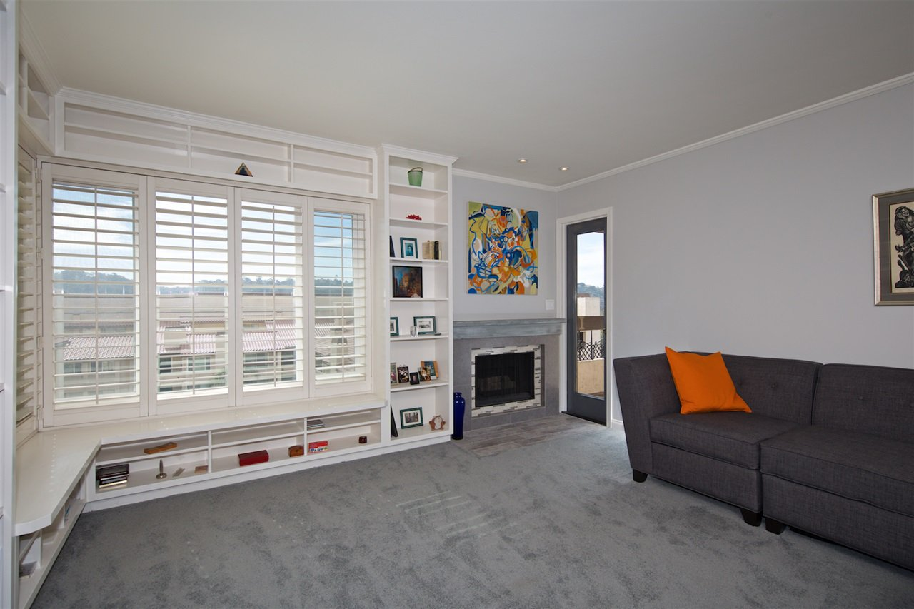 Photo 7: Photos: SAN DIEGO Condo for sale : 1 bedrooms : 6717 Friars Road #92