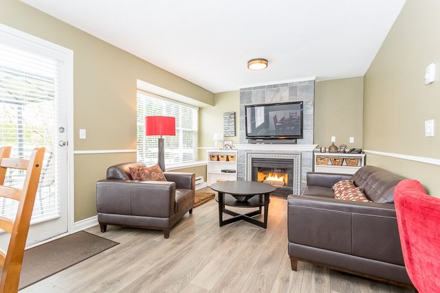 """Photo 6: Photos: 49 12099 237 Street in Maple Ridge: East Central Townhouse for sale in """"GABRIOLA"""" : MLS®# R2153314"""