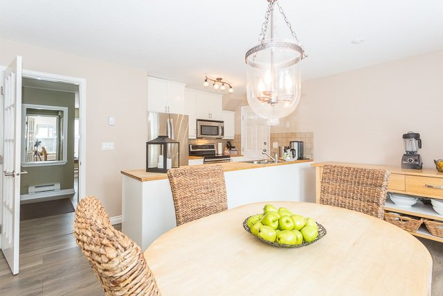 """Photo 2: Photos: 49 12099 237 Street in Maple Ridge: East Central Townhouse for sale in """"GABRIOLA"""" : MLS®# R2153314"""