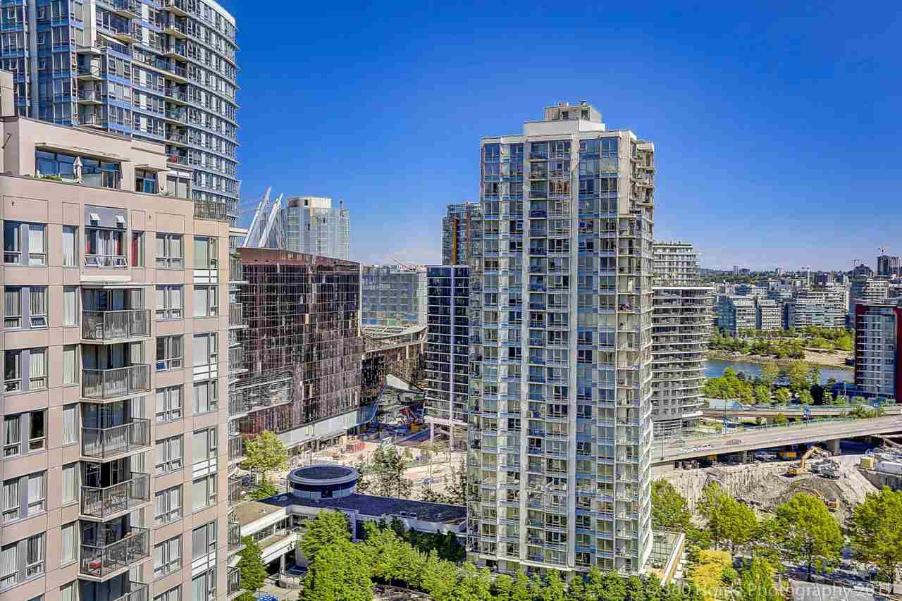 "Main Photo: 1802 950 CAMBIE Street in Vancouver: Yaletown Condo for sale in ""Palace Place Landmark 1"" (Vancouver West)  : MLS®# R2171684"