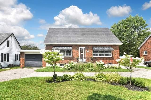 Main Photo: 1574 Highway 2 in Clarington: Courtice House (1 1/2 Storey) for sale : MLS®# E3899914