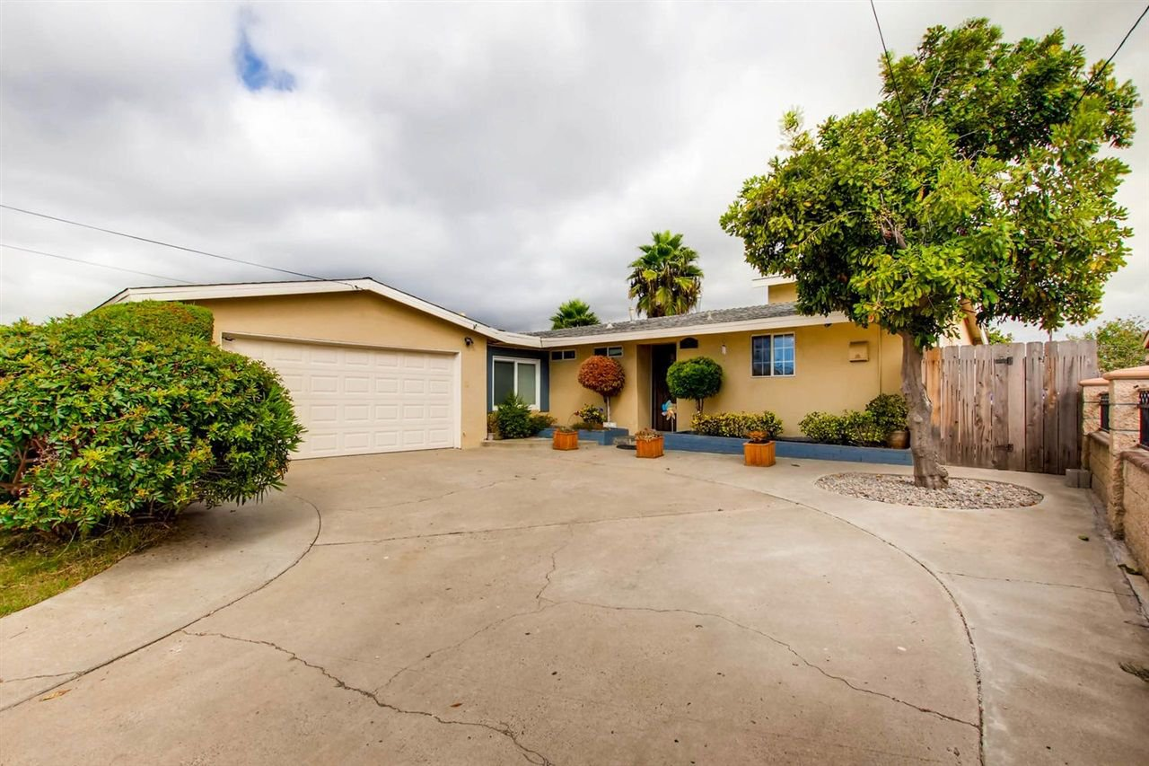 Main Photo: SERRA MESA House for sale : 4 bedrooms : 3103 Cabrillo Mesa Dr in San Diego