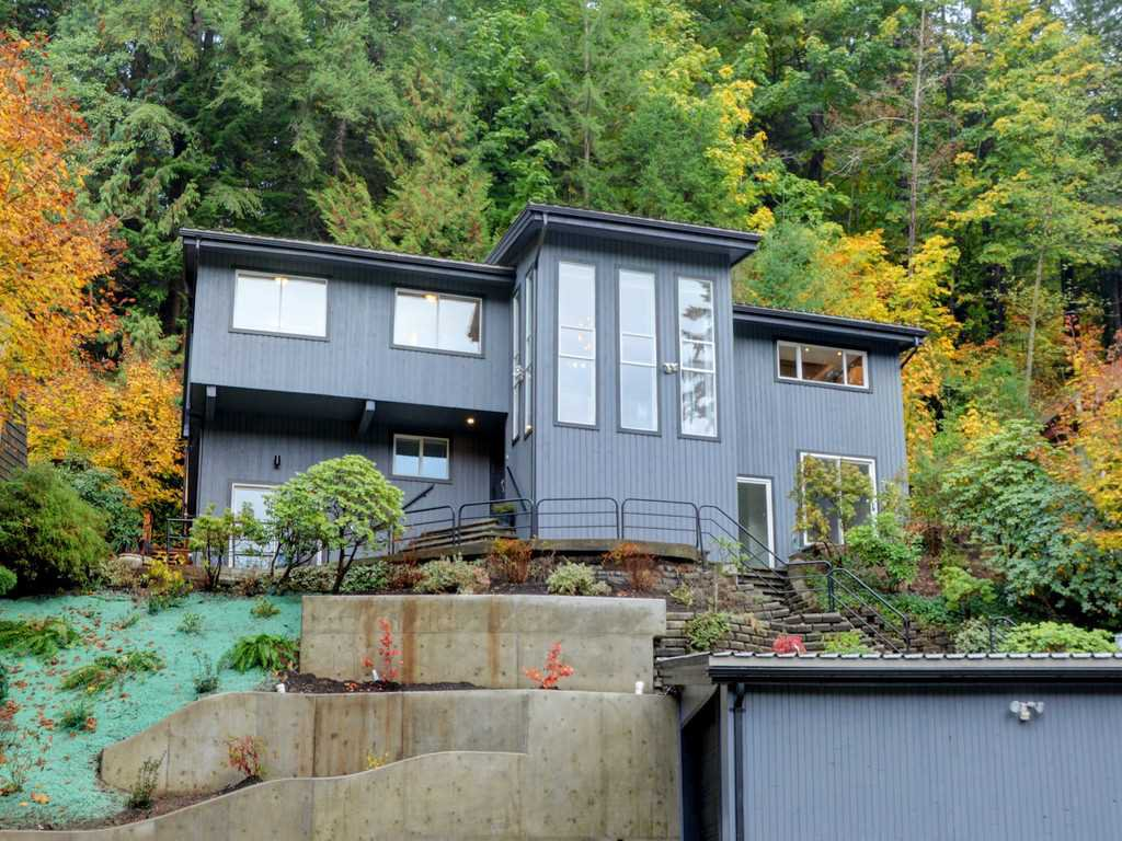 Photo 16: Photos: 1884 RIVERSIDE Drive in North Vancouver: Seymour NV House for sale : MLS®# R2216863