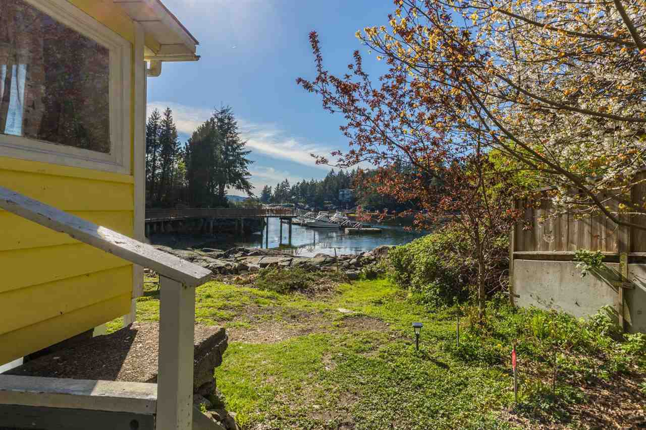 Photo 10: Photos: 5621 O'BRIAN Road in Halfmoon Bay: Halfmn Bay Secret Cv Redroofs House for sale (Sunshine Coast)  : MLS®# R2252514