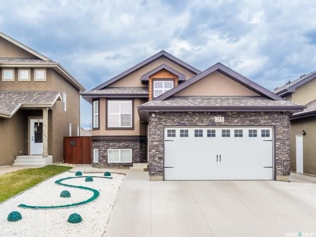 Main Photo: 215 Snell Crescent in Saskatoon: Stonebridge Residential for sale : MLS®# SK730695