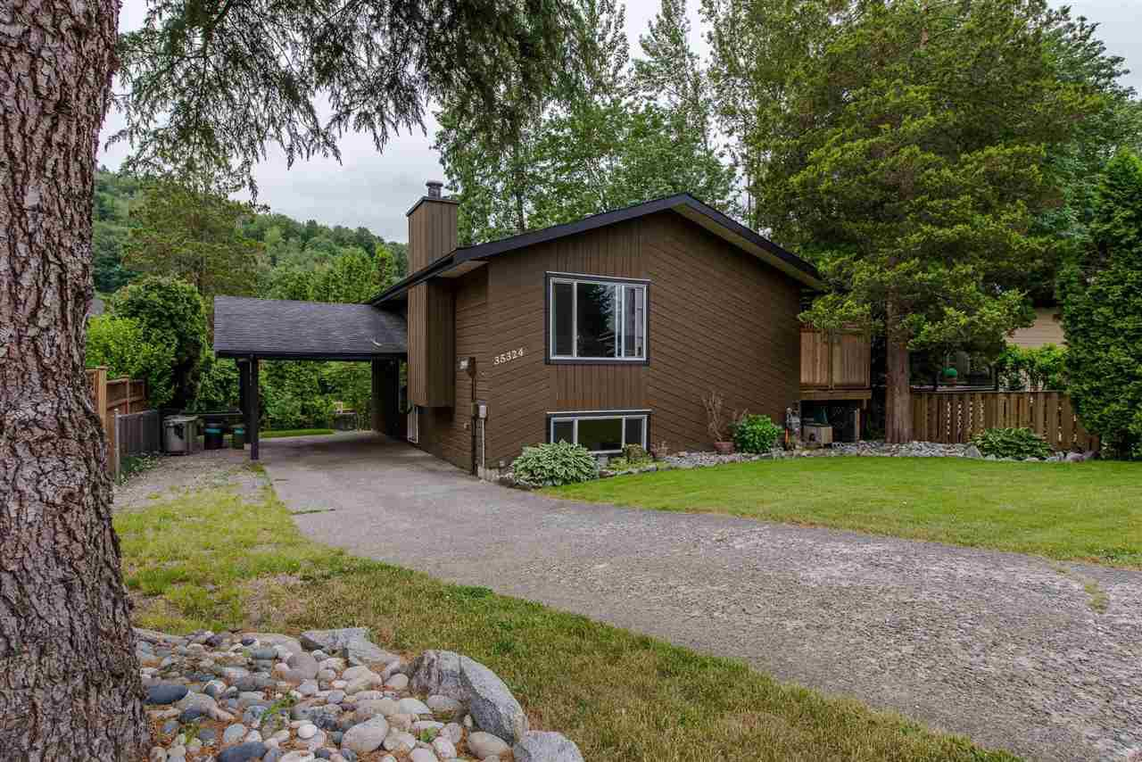 Main Photo: 35324 SELKIRK Avenue in Abbotsford: Abbotsford East House for sale : MLS®# R2293103