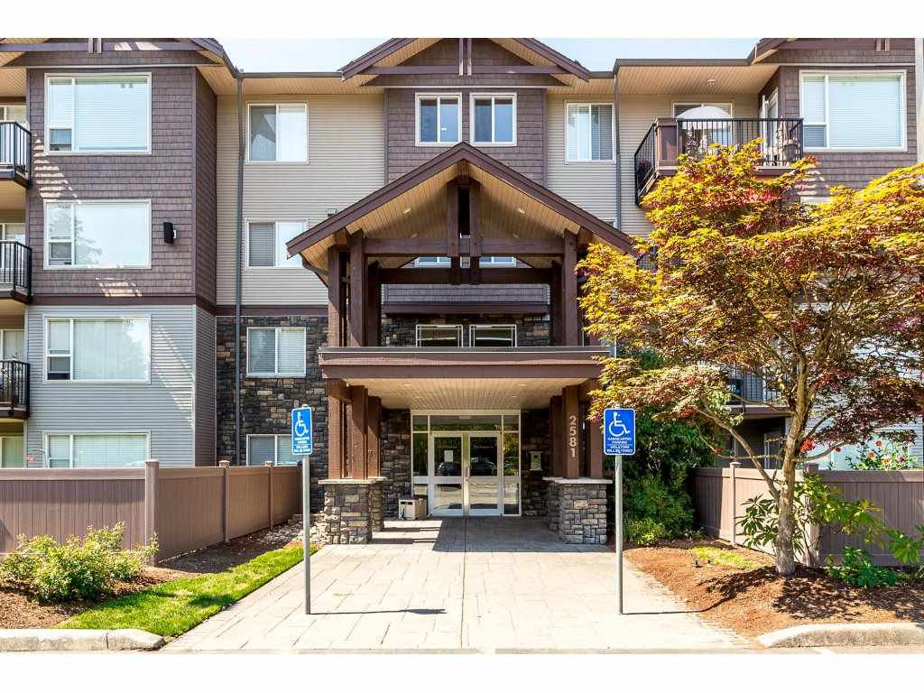 """Main Photo: 414 2581 LANGDON Street in Abbotsford: Abbotsford West Condo for sale in """"Cobblestone"""" : MLS®# R2296208"""