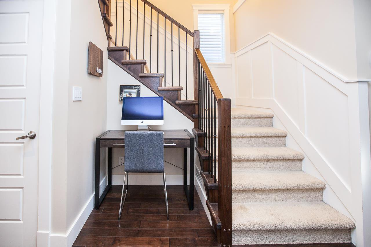 Photo 11: Photos: 14833 59A Avenue in Surrey: Sullivan Station House for sale : MLS®# R2305431