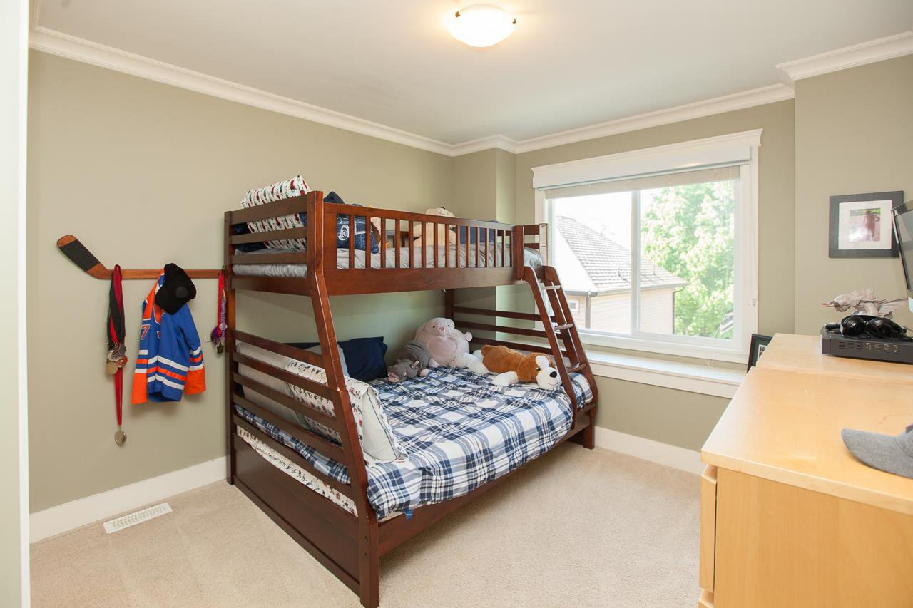 Photo 16: Photos: 14833 59A Avenue in Surrey: Sullivan Station House for sale : MLS®# R2305431