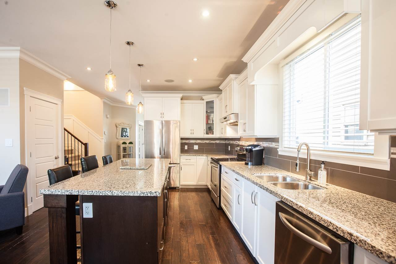 Photo 5: Photos: 14833 59A Avenue in Surrey: Sullivan Station House for sale : MLS®# R2305431
