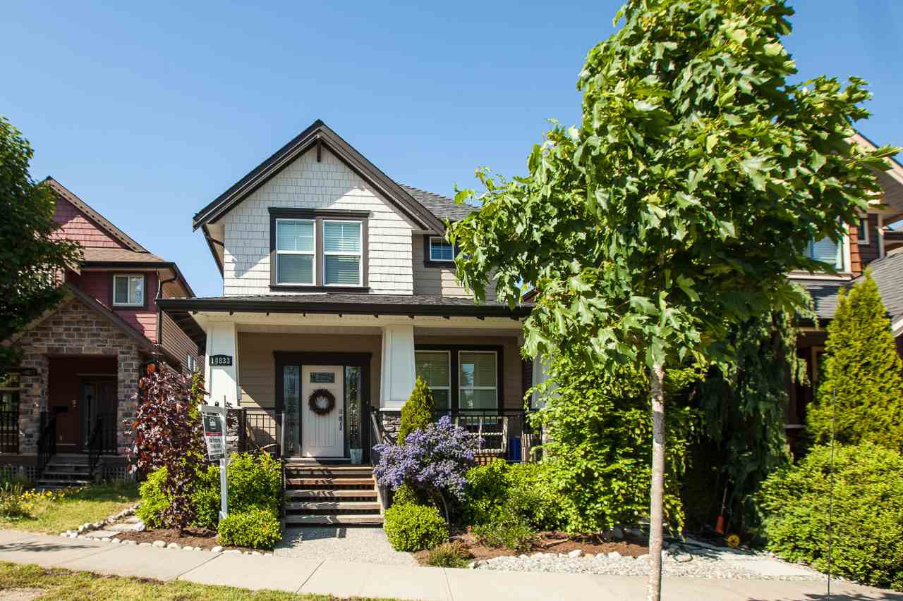 Photo 2: Photos: 14833 59A Avenue in Surrey: Sullivan Station House for sale : MLS®# R2305431