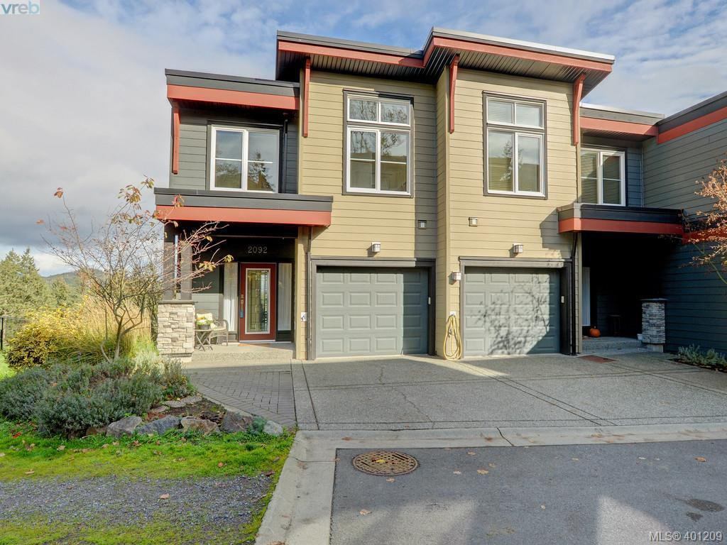 Main Photo: 2092 Greenhill Rise in VICTORIA: La Bear Mountain Townhouse for sale (Langford)  : MLS®# 401209