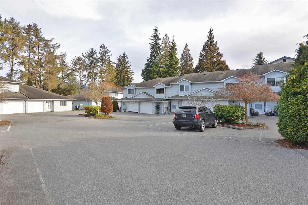 "Photo 3: Photos: 15 5706 EBBTIDE Street in Sechelt: Sechelt District Townhouse for sale in ""EBBTIDE VILLAGE"" (Sunshine Coast)  : MLS®# R2344209"