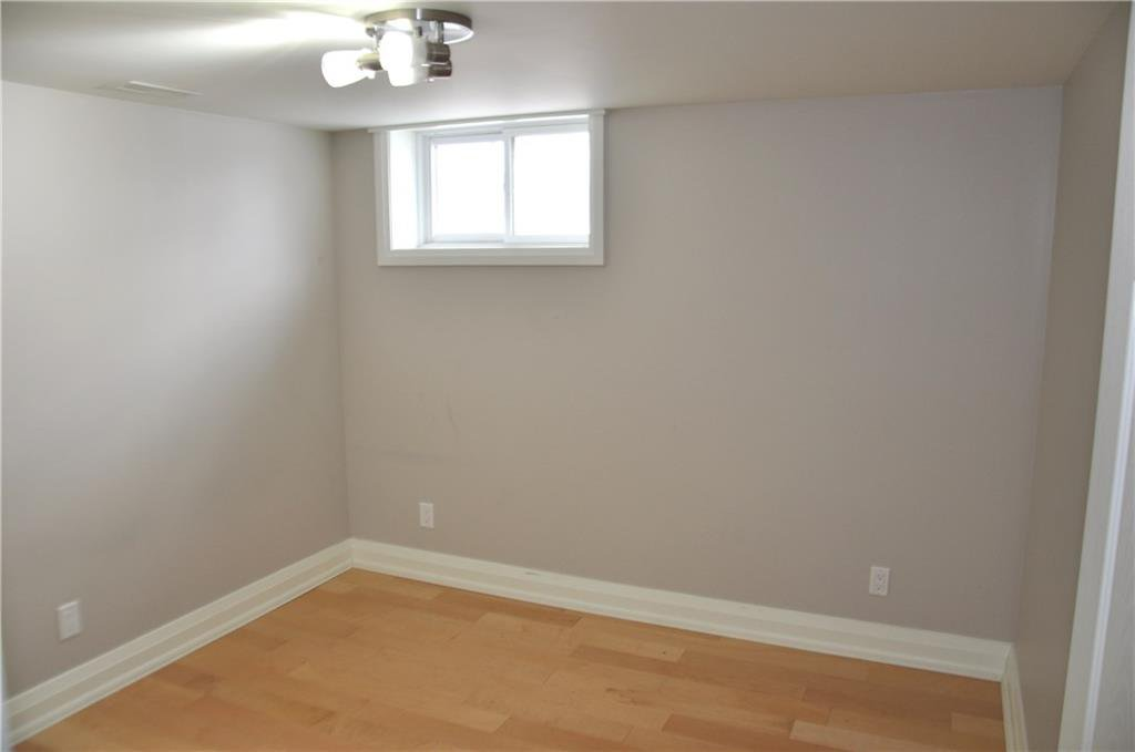 Photo 7: Photos: 6 1382 OLGA Drive in Burlington: Residential for lease : MLS®# H4051359