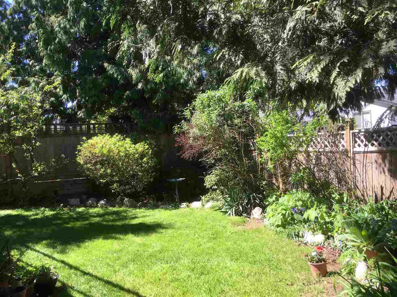 """Photo 13: Photos: 1958 158A Street in Surrey: King George Corridor House 1/2 Duplex for sale in """"King George Corridor"""" (South Surrey White Rock)  : MLS®# R2368433"""