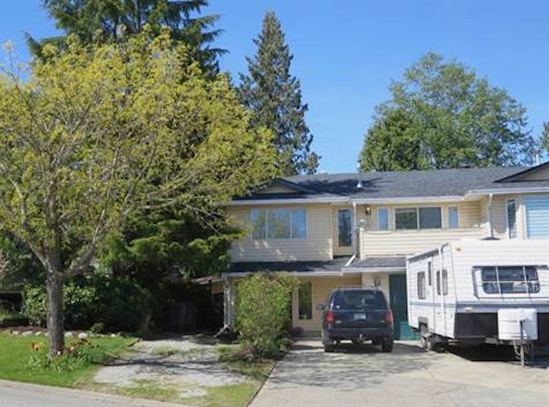 """Photo 2: Photos: 1958 158A Street in Surrey: King George Corridor House 1/2 Duplex for sale in """"King George Corridor"""" (South Surrey White Rock)  : MLS®# R2368433"""