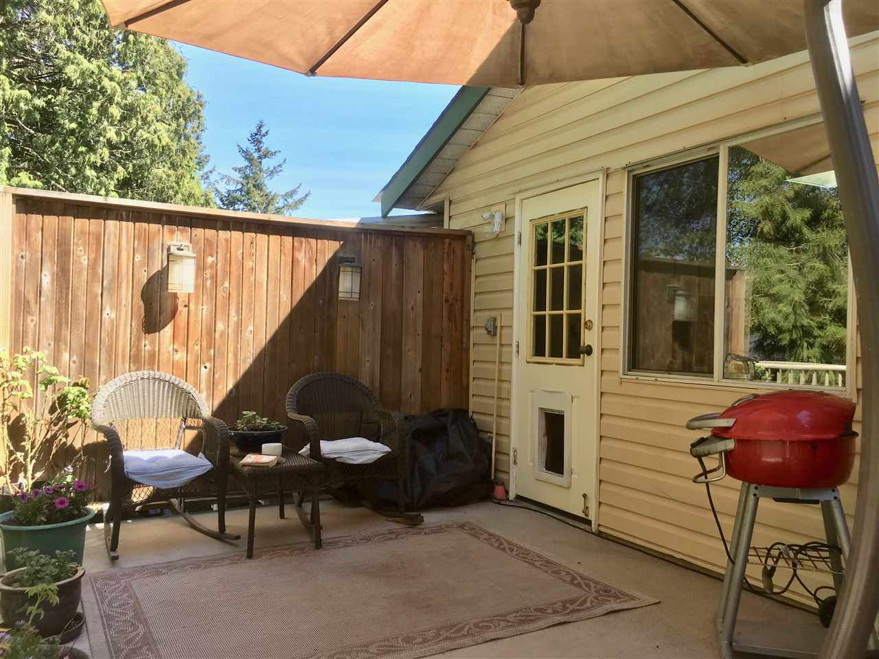 """Photo 12: Photos: 1958 158A Street in Surrey: King George Corridor House 1/2 Duplex for sale in """"King George Corridor"""" (South Surrey White Rock)  : MLS®# R2368433"""