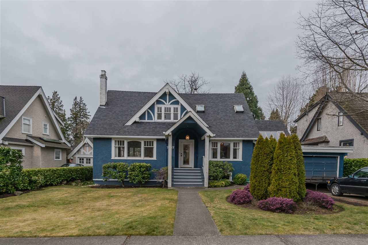 Photo 2: Photos: 7087 CYPRESS Street in Vancouver: Kerrisdale House for sale (Vancouver West)  : MLS®# R2375570