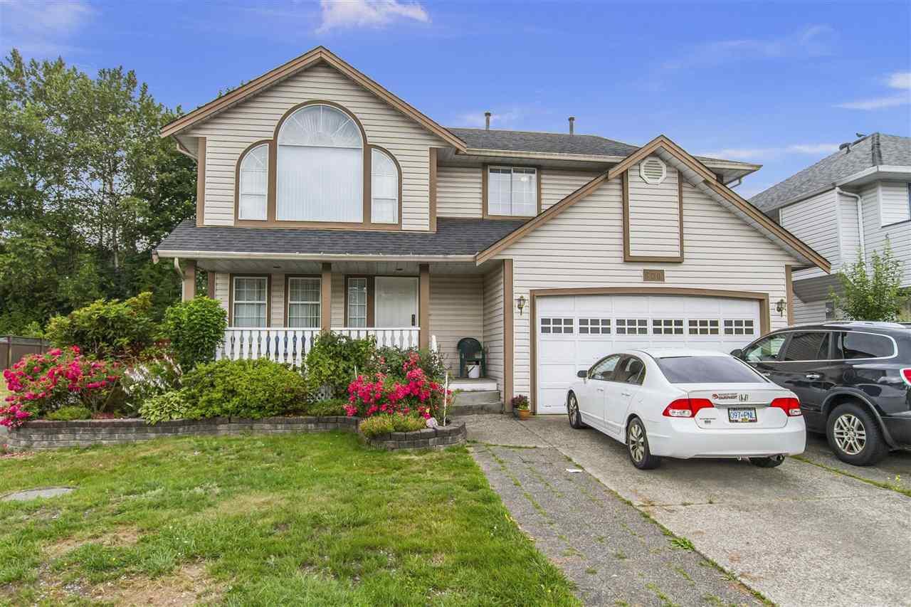 Main Photo: 900 N HERRMANN Street in Coquitlam: Meadow Brook House for sale : MLS®# R2387302