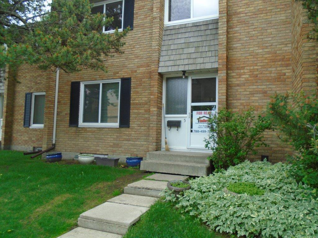 Main Photo: 5 Ridgewood Terrace in St. Albert: Townhouse for rent