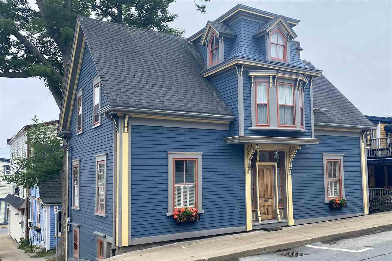 Main Photo: 138 Pelham Street in Lunenburg: 405-Lunenburg County Residential for sale (South Shore)  : MLS®# 202011685