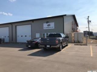 Main Photo: 369 6th Avenue North in Yorkton: Commercial for lease : MLS®# SK830667