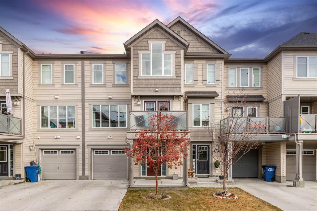 Main Photo: 165 Windstone Park SW: Airdrie Row/Townhouse for sale : MLS®# A1042730