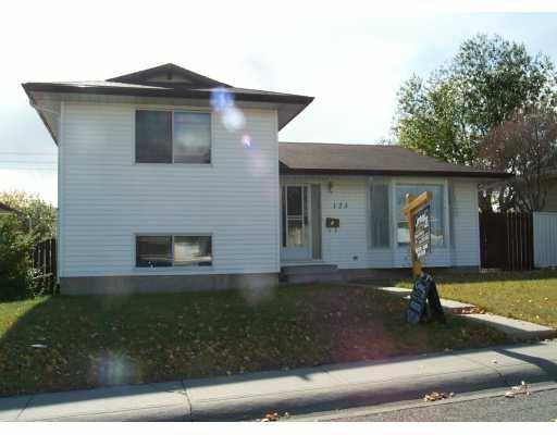 Main Photo:  in CALGARY: Marlborough Park Residential Detached Single Family for sale (Calgary)  : MLS®# C3101353