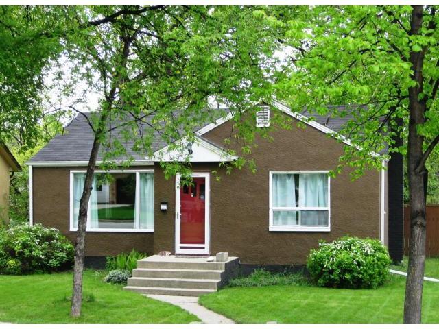 Main Photo: 887 KILDONAN Drive in WINNIPEG: East Kildonan Residential for sale (North East Winnipeg)  : MLS®# 1109989