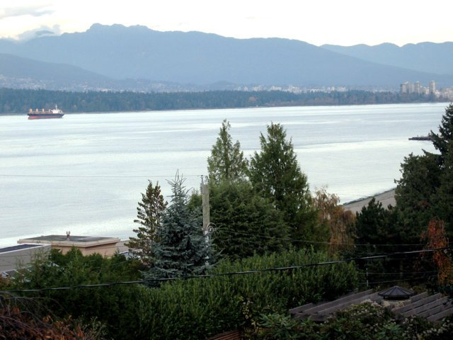 Photo 3: Photos:  in Vancouver West: Point Grey Home for sale ()  : MLS®# H2801410