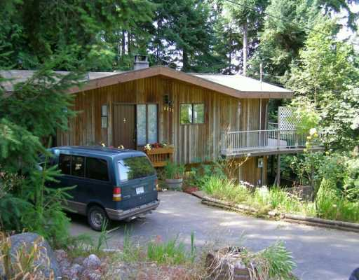 "Main Photo: 6031 CORACLE Drive in Sechelt: Sechelt District House for sale in ""SANDY HOOK"" (Sunshine Coast)  : MLS®# V602315"