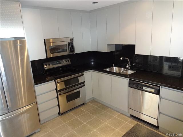 Photo 8: Photos: 323 Wellington Crescent in WINNIPEG: Fort Rouge / Crescentwood / Riverview Condominium for sale (South Winnipeg)  : MLS®# 1530275