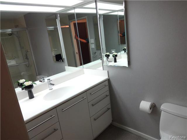 Photo 13: Photos: 323 Wellington Crescent in WINNIPEG: Fort Rouge / Crescentwood / Riverview Condominium for sale (South Winnipeg)  : MLS®# 1530275