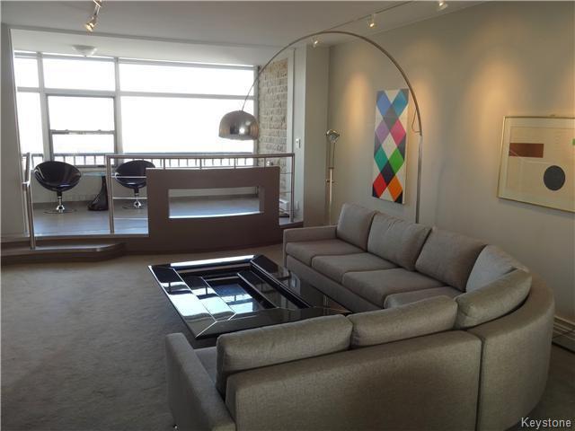 Photo 4: Photos: 323 Wellington Crescent in WINNIPEG: Fort Rouge / Crescentwood / Riverview Condominium for sale (South Winnipeg)  : MLS®# 1530275