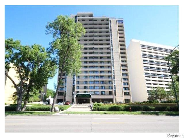 Main Photo: 323 Wellington Crescent in WINNIPEG: Fort Rouge / Crescentwood / Riverview Condominium for sale (South Winnipeg)  : MLS®# 1530275