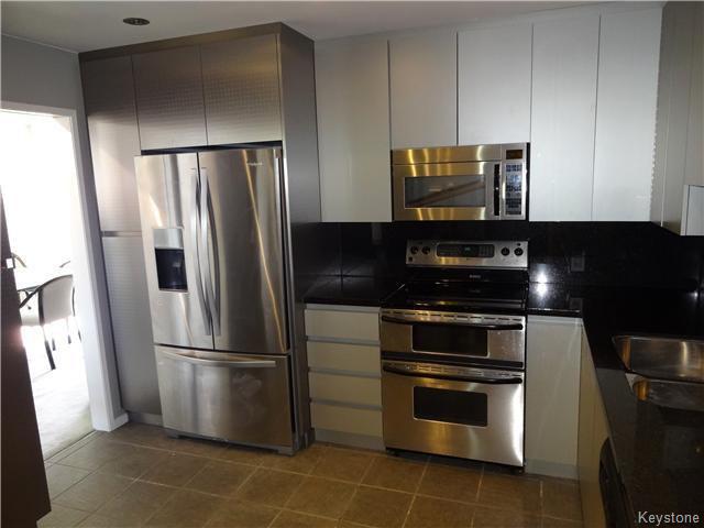 Photo 9: Photos: 323 Wellington Crescent in WINNIPEG: Fort Rouge / Crescentwood / Riverview Condominium for sale (South Winnipeg)  : MLS®# 1530275